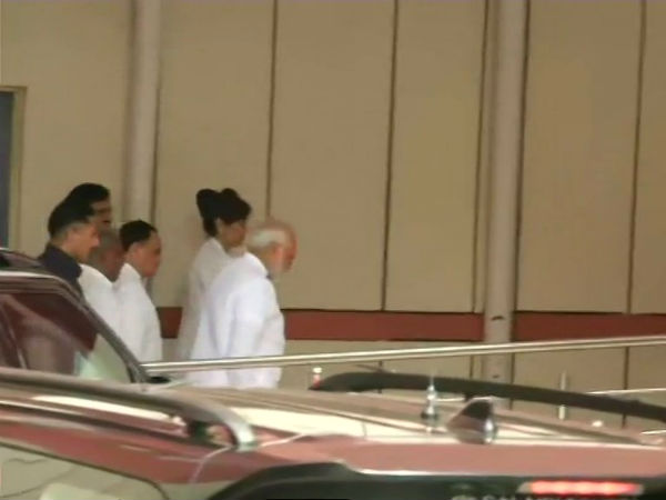 PM Narendra Modi visits AIIMS hospital