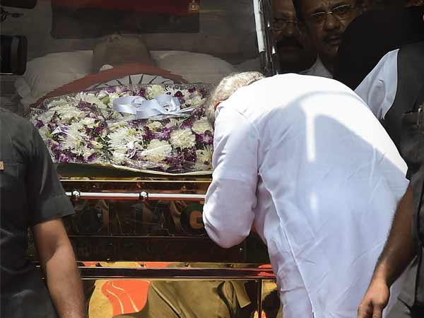 All party leaders pay homage to Karunanidhi