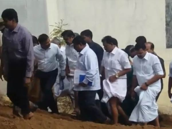 Mukkombu Dam: TN CM deeply checks the damages in Upper Anaicut