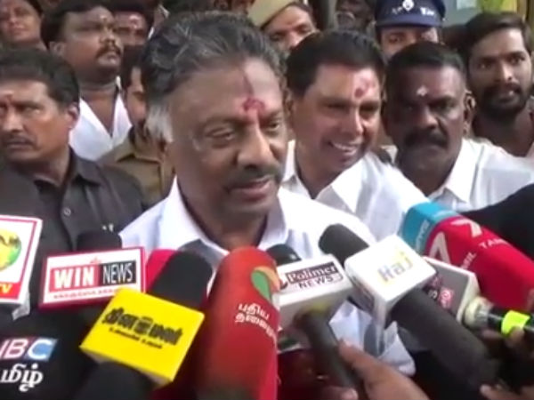 Dont do politics in Marina Burial issue O Paneerselvamm talks on Karunanidhi death