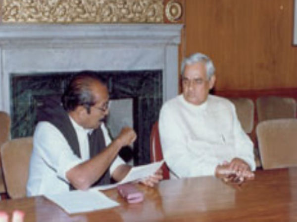 Vaiko cries for Vajpayee demise