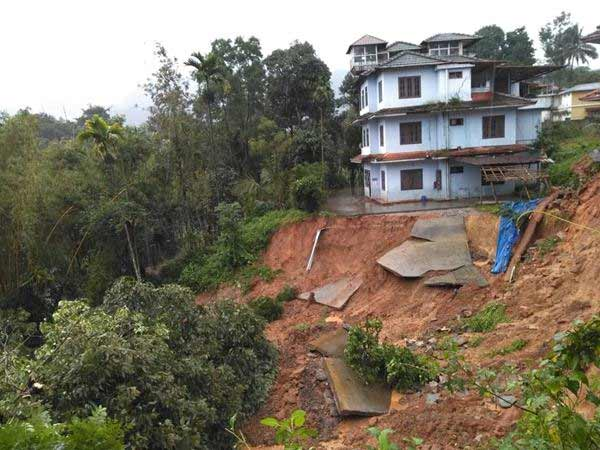 Heavy rains in Kerala, landslide kills 20 person