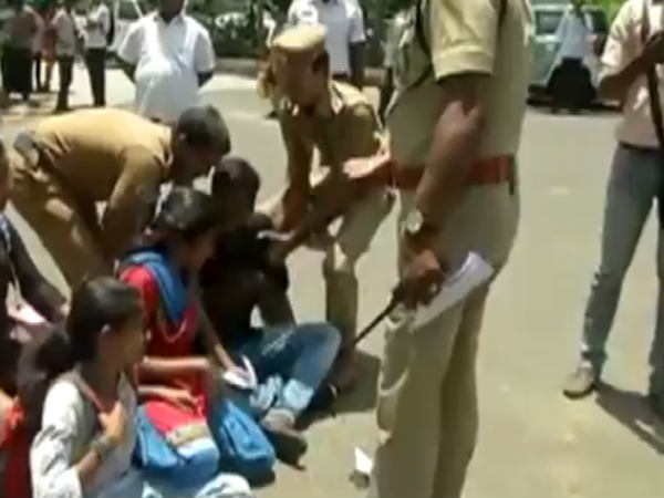 Students and police clash at University of Madras