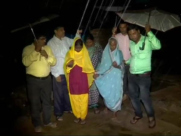 Cyclone Titli: 10 lakhs people evacuated from their place in Odisha