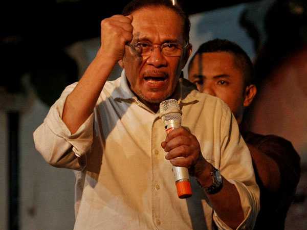 Anwar Ibrahim gets a landslide by-election victory, may swear as PM soon