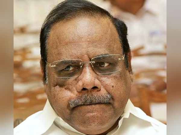 Speaker Dhanapal ordered to leave disqualified MLAs from hostel
