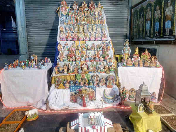 The Philosophy behind Tamil festival Navarathri Golu steps or Padi