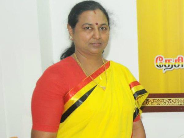 பிரமிக்க வைக்கும் பிரேமலதா விஜயகாந்த்.. போல்ட் அன்ட் வெரி போல்ட்!
