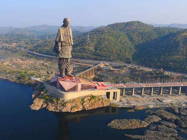 Sardar vallabhai patel statue desinged to be stable at 6.5 earthquake too