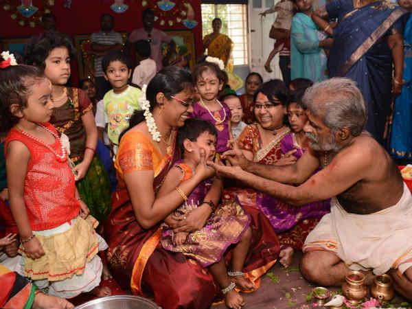 விஜயதசமி வித்யாரம்பம் - கூத்தனூர் சரஸ்வதி கோவிலில் குவிந்த மக்கள்