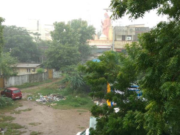 கஜா புயல் கரையை கடந்தாச்சு.. சென்னை இப்போ எப்படி உள்ளது தெரியுமா?