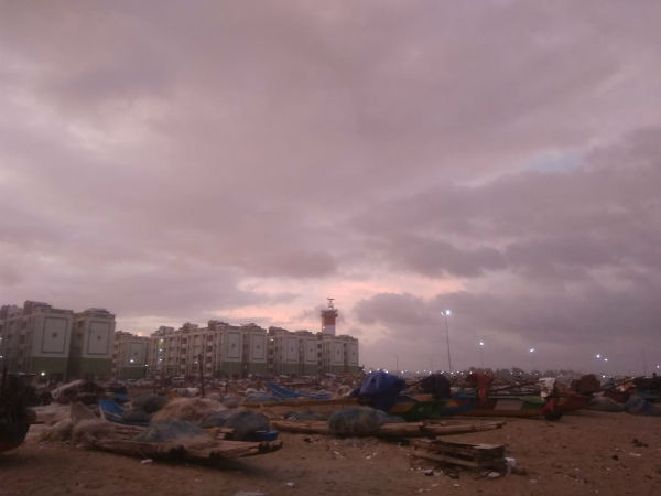 Police asks people to vacate Marina beach due to Cyclone Gaja