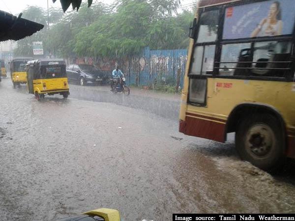 சென்னையில் காலை முதல் மழை.. காரணம் கஜா..!