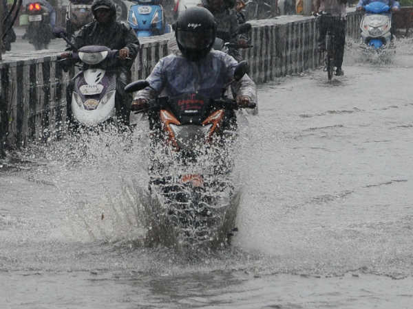 Chennai meteorological department issued alert that southern parts of tamilnadu will get heavy rainfall