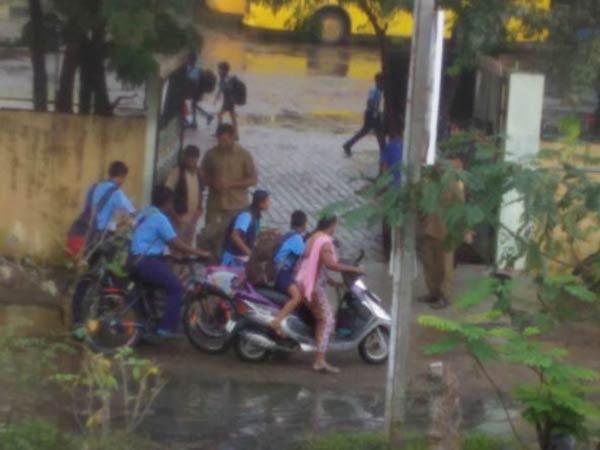 கஜாவின் கோர தாண்டவம்.. எந்தெந்த மாவட்டங்களில் பள்ளி, கல்லூரிகளுக்கு விடுமுறை?