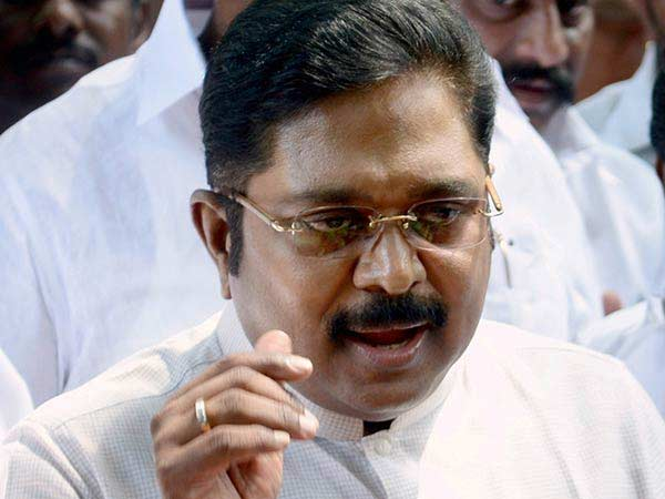 ADMK banner spoiling row: Case filed against TTV Dinakaran and 100s of his supporters