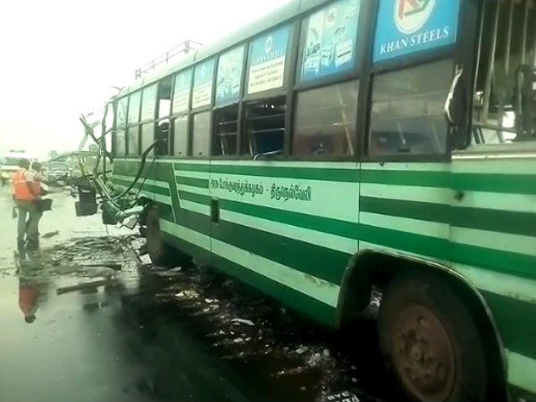 a tourist van and 2 government buses hits near nellai, 6 dead