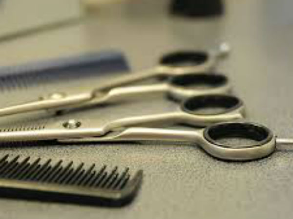 Free cutting and shaving for EB Workers in Nagai