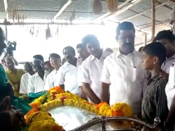 Local people are paying tribute to Nel Jayaramans body