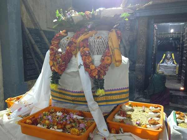கார்த்திகை கடைசி சோமவாரம் : சிவ ஆலயங்களில் 1008 சங்காபிஷேகம்- பக்தர்கள் தரிசனம்