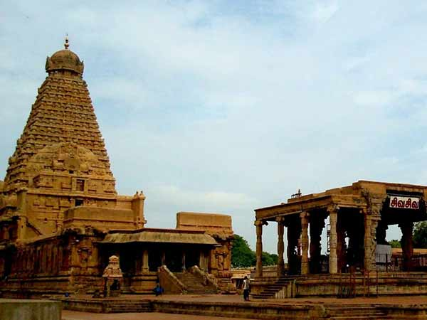 Is Raja Raja Cholan sprit is yet to get soul, is still is there in Tanjore?