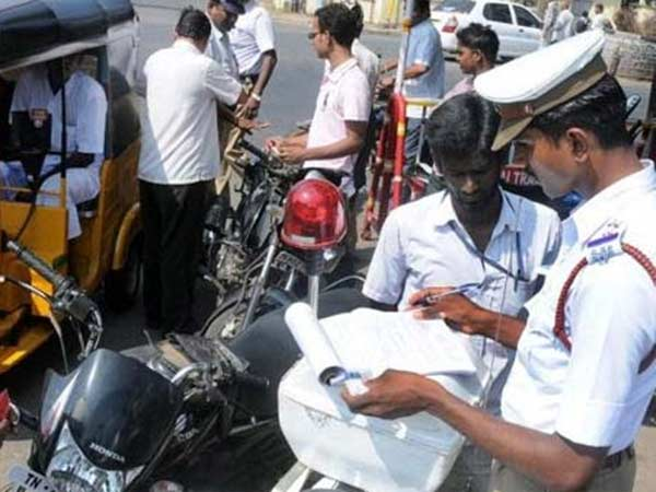 Vehicle drivers should keep their original license with them: Chennai High Court