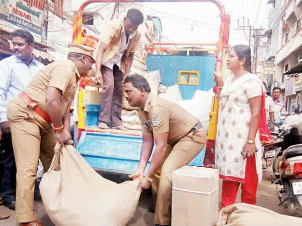 திருச்சியில் அதிகாரிகள் அதிரடி ரெய்டு.. ரூ. 10.5 லட்சம் குட்கா சிக்கியது.. 3 பேர் கைது