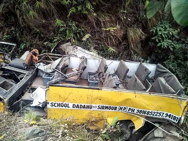 7 persons, including 6 students, were killed in a school bus accident in himachal pradesh