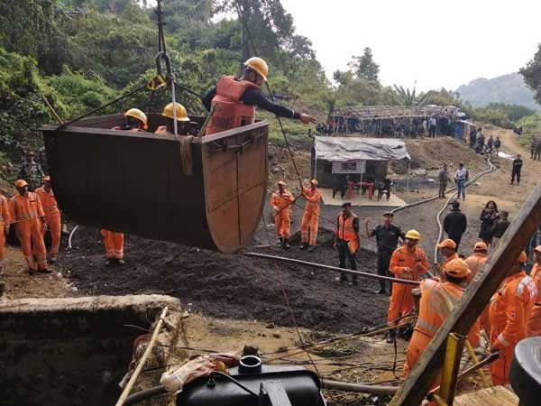 navy divers reached bottom of meghalaya mine: rescue team hopes