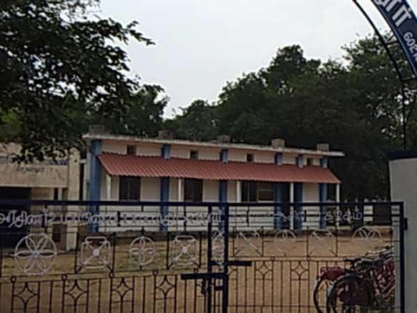 ஆசிரியர்கள் ஸ்டிரைக்... தேர்வு நேரத்தில் மாணவர்கள் அவதி... பெற்றோர் கவலை
