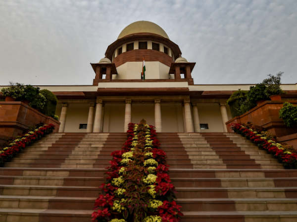 SC refuses to put an interim stay on 10% reservation but will examine schemes validity
