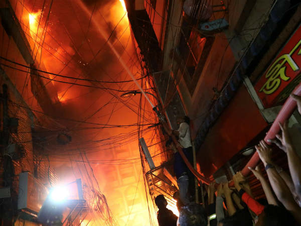 வங்கதேசத்தில் பெரும் தீ விபத்து.. 69 பேர் பரிதாப சாவு