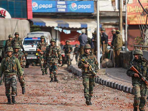 Jammu And Kashmir: An encounter has started between terrorists and security forces