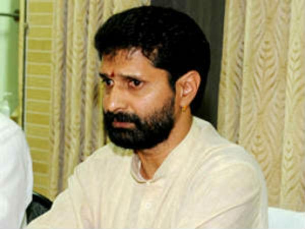 பாஜக எம்எல்ஏ கார் மோதி 2 பேர் பலி.. பெங்களூர் அருகே பரபரப்பு