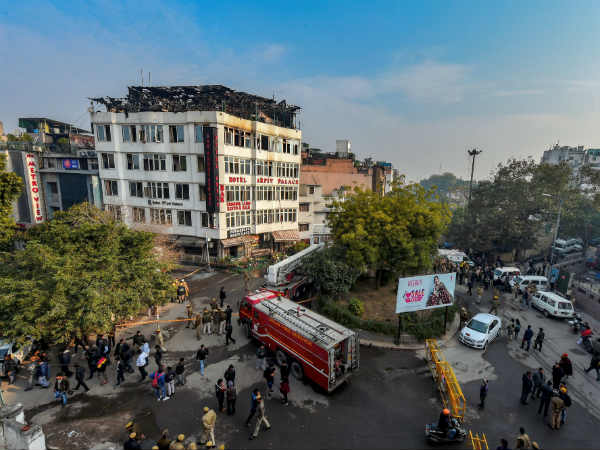 17 dead including 2 tamils in Delhi Hotel Fire accident