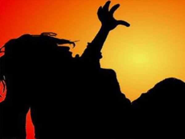 ராசாத்தி தலையை துண்டித்த மருது.. பதற வைக்கும் படுகொலை