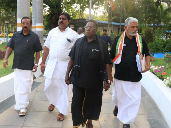 6 நாள் தர்ணா போராட்டத்தை தற்காலிகமாக வாபஸ் பெற்றார் புதுச்சேரி முதல்வர் நாராயணசாமி
