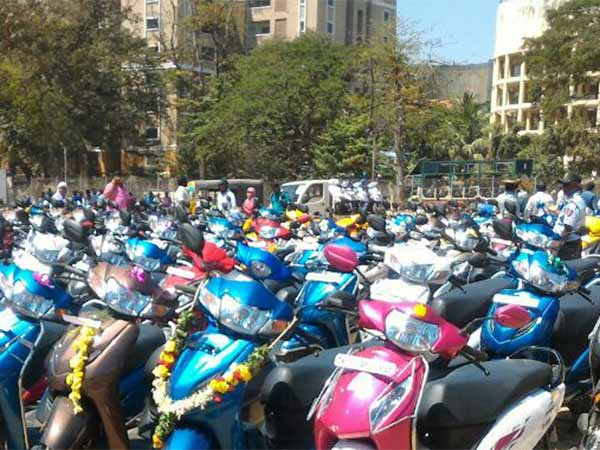 Tamilnadu Budget 2019: TN govt allocates Rs.250 Cr for Free scooter scheme