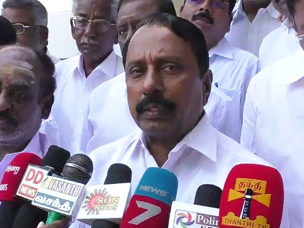 Colour uniforms will give to school students from 6 to 8th grade says minister sengottaiyan