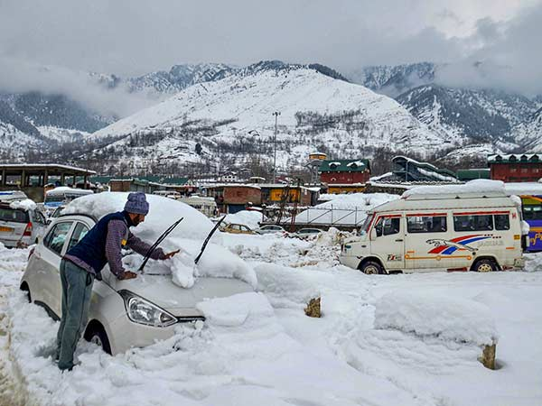jammu and kashmir Snow Fall: The number of victims has increased to 8