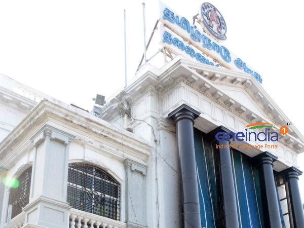 8 வருடங்களாக சுகாதாரத்துறை செயலராக இருந்த ராதாகிருஷ்ணன் உட்பட 12 ஐஏஎஸ் அதிகாரிகள் அதிரடி டிரான்ஸ்பர்