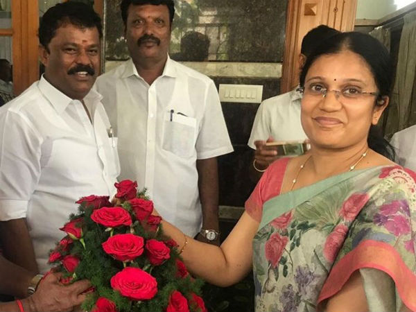 ex minister balakrishna reddys wife Jothi Caught in Controversy , her Going with 10 people and filed nomination in hosur