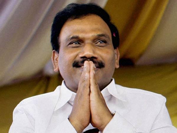 ஆ.ராசா நீலகிரி திமுக வேட்பாளர்: புகுந்த வீட்டில் மீண்டும் தன் செல்வாக்கை  நிரூபிப்பாரா? | raja nilgiri dmk candidate biodata - Tamil Oneindia