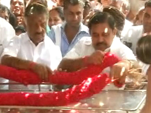 Sulur MLA Kanagara death j is a huge loss to AIADMK says TN CM