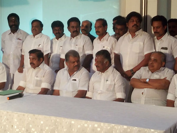 Aiadmk and Tamil maanila Congress making an Alliance