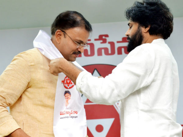 Former joint-director of the CBI jointed in Pawan Kalyan party