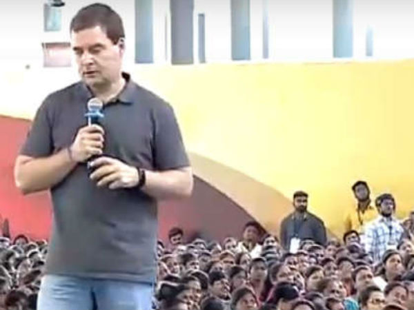 Rahul Gandhi looking smart with at Stella Maris College function in Chennai