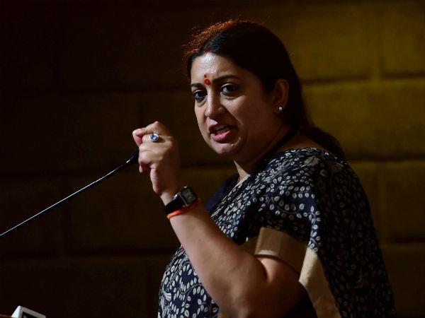 லால் பகதூர் சாஸ்திரிக்கு அவமரியாதை…  பிரியங்கா காந்தி மீது ஸ்மிருதி இராணி குற்றச்சாட்டு