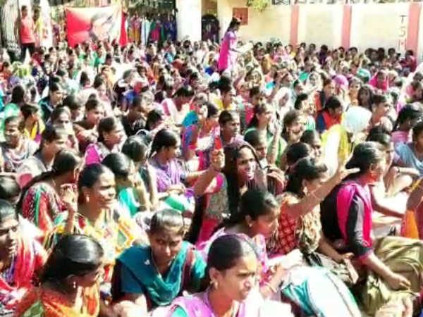 Tanjore Girls College Student Protest for Pollachi issue
