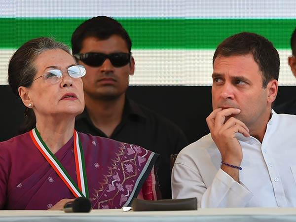 டெல்லியில் 6 தொகுதிகளுக்கு வேட்பாளர்களை அறிவித்தது காங்கிரஸ்.. ஆம் ஆத்மியுடன் நோ கூட்டணி